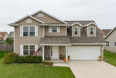 Neenah Single Family Home Active-No Offer: 2643 Grassy
