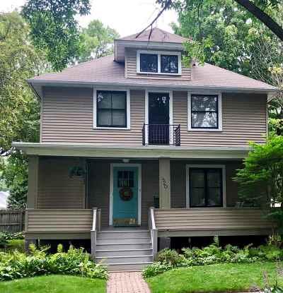 Green Bay Single Family Home Active-No Offer: 820 Elmore