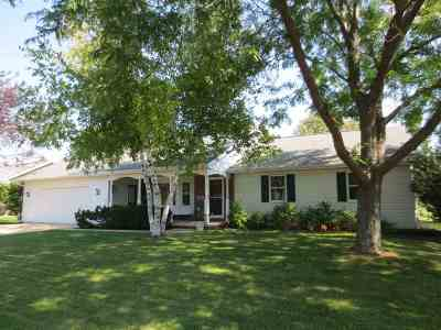 Neenah Single Family Home Active-No Offer: 1318 Blueberry