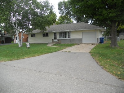 Menasha Single Family Home Active-No Offer: 1365 Dunning