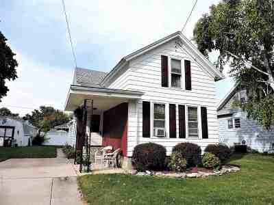 Oshkosh Single Family Home Active-No Offer: 422 W 8th