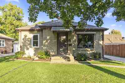 Appleton Single Family Home Active-No Offer: 1408 N Owaissa