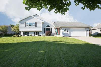 Green Bay Single Family Home Active-No Offer: 2543 Greenbrier