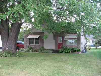 Shawano Single Family Home Active-No Offer: W7376 Anderson