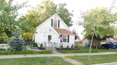 Green Bay Single Family Home Active-No Offer: 819 N Van Buren