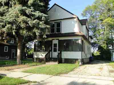 Oshkosh Single Family Home Active-No Offer: 1339 Liberty