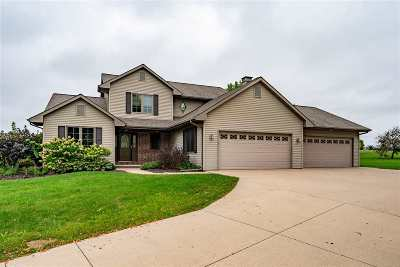 Winneconne Single Family Home Active-No Offer: 5889 Pointe West