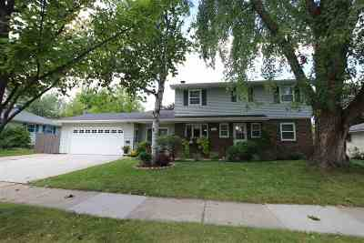 Oshkosh Single Family Home Active-Offer No Bump: 1350 Bismarck