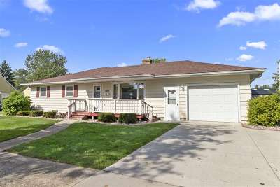 Kaukauna Single Family Home Active-No Offer: 508 W 9th