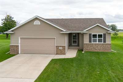 Menasha WI Single Family Home Active-Offer No Bump: $219,900