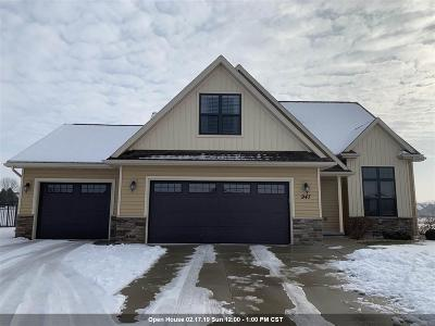 Menasha Single Family Home Active-No Offer: 947 Lotus
