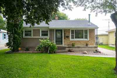 Oshkosh Single Family Home Active-No Offer: 1004 Grove