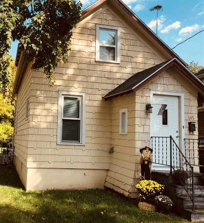 Menasha Single Family Home Active-Offer No Bump: 645 Appleton