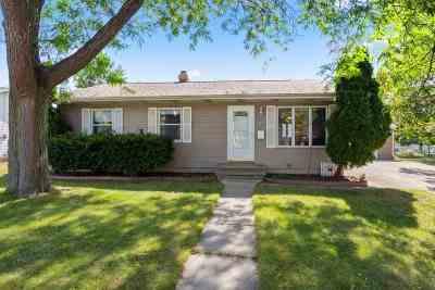 Menasha Single Family Home Active-Offer No Bump: 717 10th