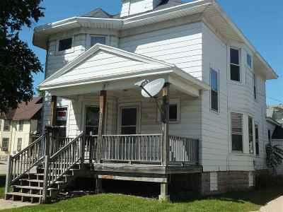 Oshkosh Single Family Home Active-No Offer: 216 W Irving
