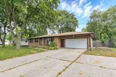 Green Bay Single Family Home Active-No Offer: 1170 Cormier