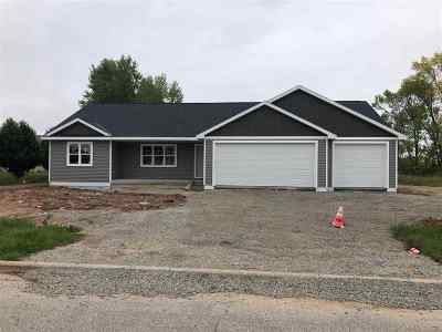 Pulaski WI Single Family Home Active-Offer W/Bump-Show: $239,900