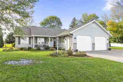 Kaukauna Single Family Home Active-Offer No Bump: N3977 McHugh