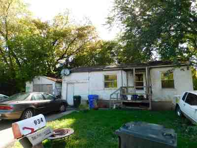 Kaukauna Single Family Home Active-No Offer: 934 Armstrong
