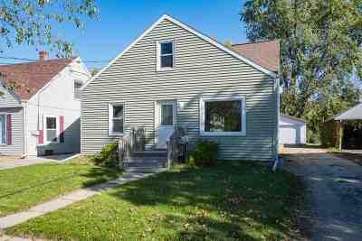 Menasha Single Family Home Active-Offer No Bump: 633 Racine