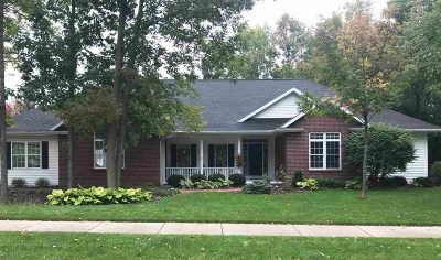 Kaukauna Single Family Home Active-Offer No Bump: 2100 Windsor