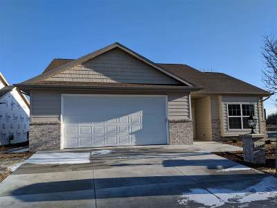 Appleton Condo/Townhouse Active-No Offer: 3758 N Wayside