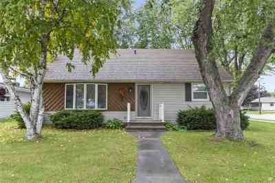 Kaukauna Single Family Home Active-No Offer: 1801 Thelen