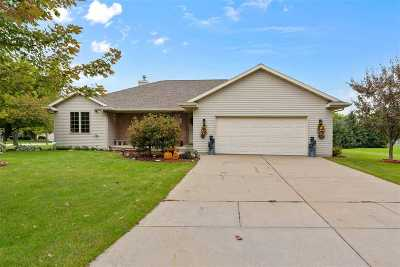 Pulaski WI Single Family Home Active-Offer No Bump: $229,900