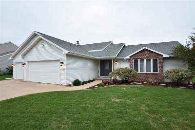 Oshkosh Single Family Home Active-No Offer: 1330 Partridge