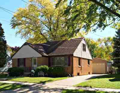 Oshkosh Single Family Home Active-No Offer: 1159 W 6th