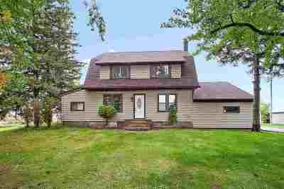 Winneconne Single Family Home Active-Offer No Bump: 7543 Mud Creek