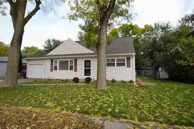 Neenah Single Family Home Active-Offer No Bump: 950 Baldwin