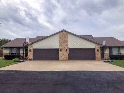 Appleton Multi Family Home Active-Offer No Bump: W6453 Moon Shadow
