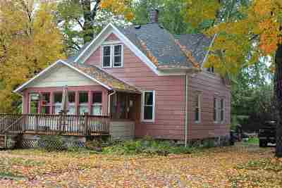 Shawano Single Family Home Active-No Offer: 929 S River