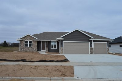 Green Bay Single Family Home Active-No Offer: 1760 Steiner