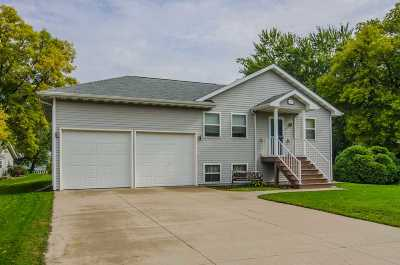 Neenah Single Family Home Active-Offer No Bump: 1687 W Butte Des Morts Beach