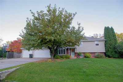 Appleton WI Single Family Home Active-No Offer: $239,900