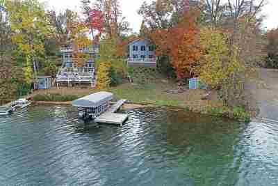 Waupaca Single Family Home Active-No Offer: N1312 W Stratton