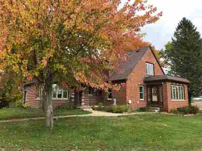 Black Creek Single Family Home Active-Offer W/Bump: N5149 Hwy Pp