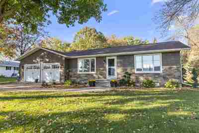 Neenah Single Family Home Active-No Offer: 1931 Hwy G