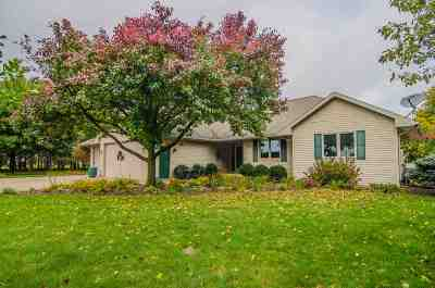 Pulaski WI Single Family Home Active-Offer No Bump: $269,900