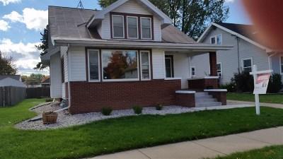 Oshkosh Single Family Home Active-No Offer: 1123 Van Buren