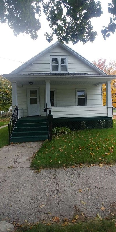 Marinette Single Family Home Active-No Offer: 802 Cleveland