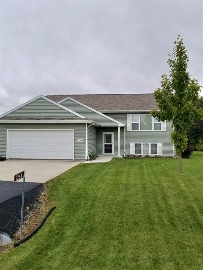 Neenah Single Family Home Active-Offer No Bump: 1364 Harvest Moon