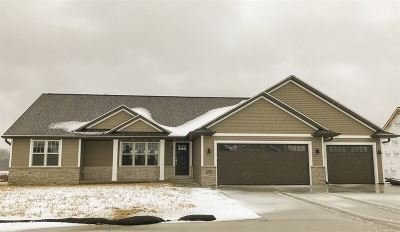 Green Bay Single Family Home Active-No Offer: 1756 Red Oak