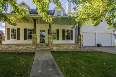 Kaukauna Single Family Home Active-Offer No Bump: 811 Westfield
