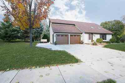 Little Chute WI Single Family Home Active-No Offer: $199,900