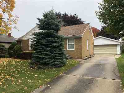 Green Bay Single Family Home Active-Offer No Bump: 1579 Crooks