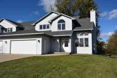 Neenah Single Family Home Active-Offer No Bump: 600 Millbrook