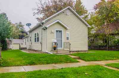 Kaukauna WI Single Family Home Active-No Offer: $134,900